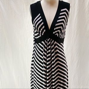 En Focus black and white Maxi dress